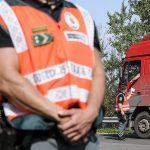 Hatalmas fogás az M7-esen, több mint százmilliót értek a román kamionban talált cuccok!